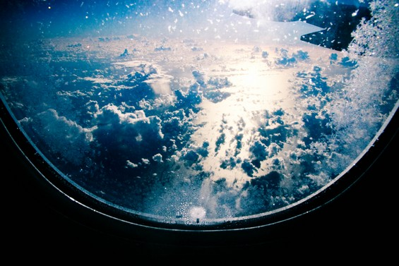 Dans l'avion, entre Paris et St Denis
