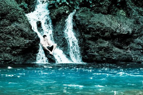 cascades et eau turquoise