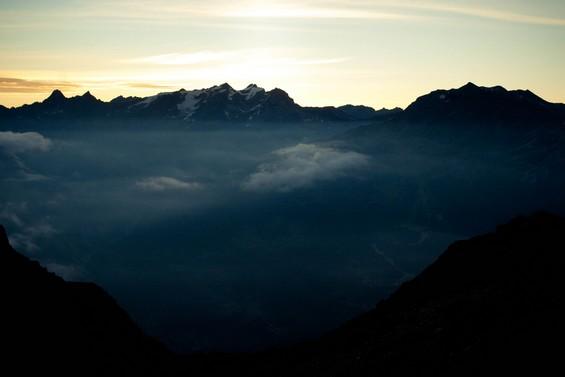 Au dessus des nuages, face au Mont blanc