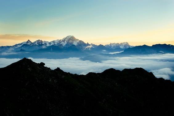 Au sommets des montagnes, par delà les cieux