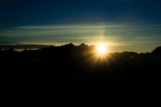 le soleil au sommet du Mont Blanc