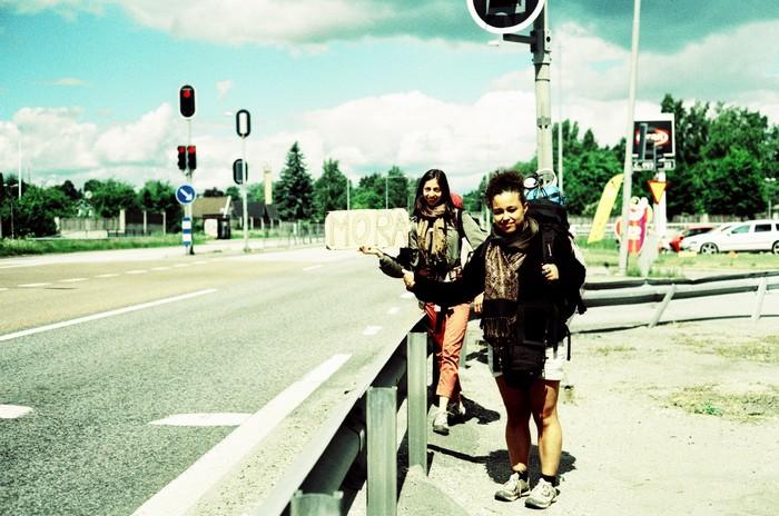 autostop to Mora