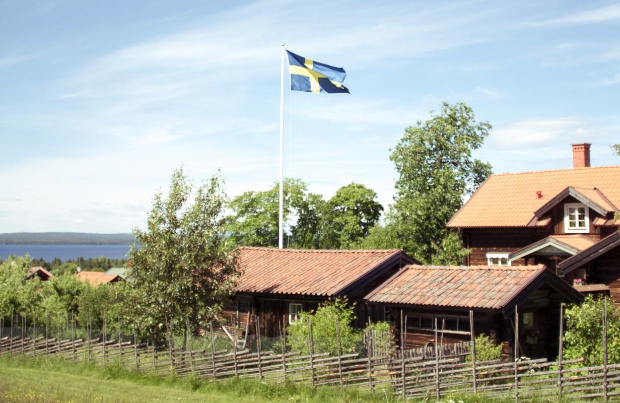 This is Sweden : 3 semaines, 3 filles, 4000 km à travers la Suede.