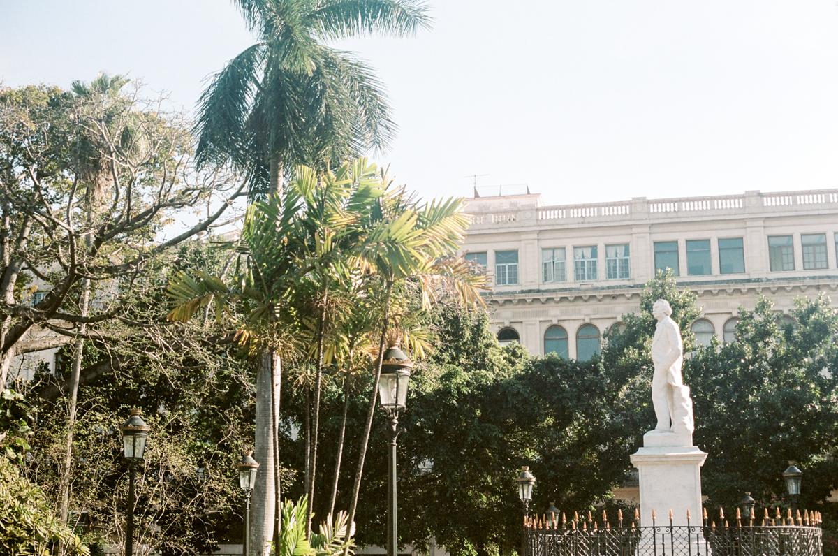 Plaza de Armas, Cuba, La Havane touristique