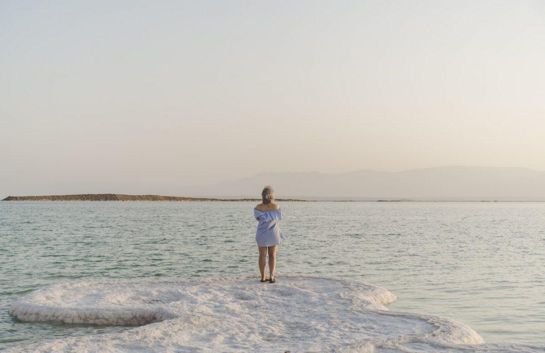 Israël : la mer Morte et ses paysages lunaires.