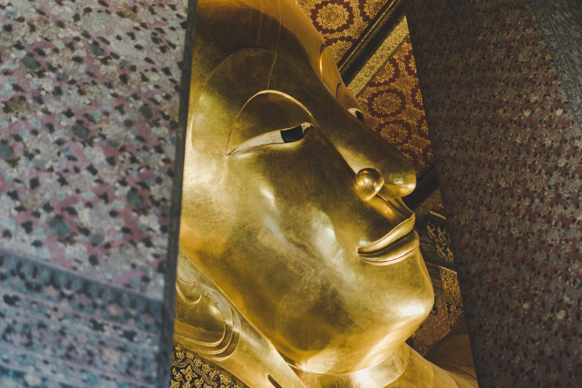 2 jours à Bangkok, Wat Pho : Temple du Bouddha couché.